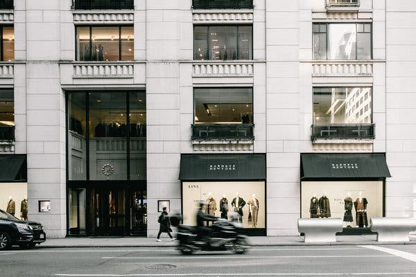 Barneys Department Store Shutting Down – Madison Avenue Location?