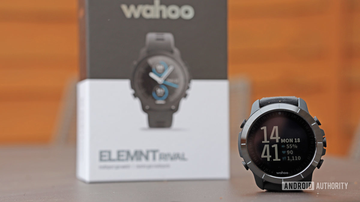 Wahoo Elemnt Rival With Box