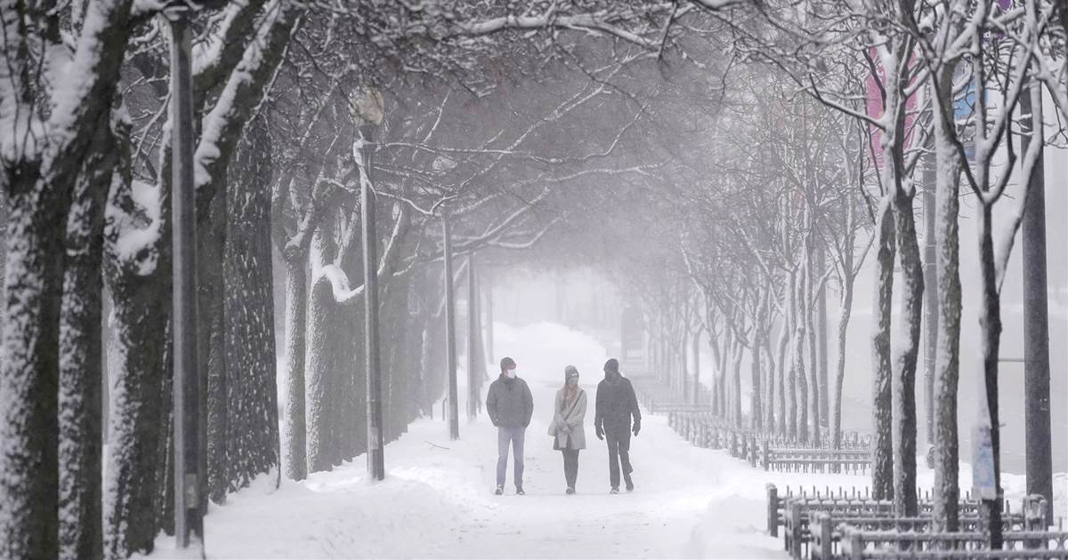 Major Nor'easter affecting Northeast with possible historic snow in NYC