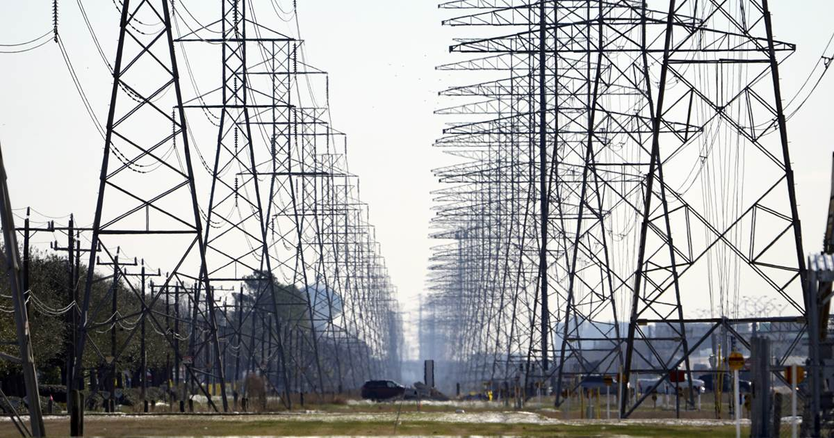 Woman files class-action lawsuit against Texas power provider after $9,500 electricity bill