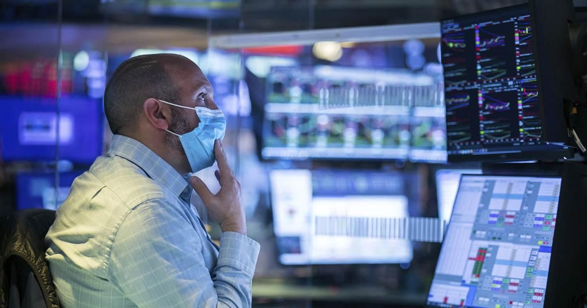 Hedge fund bets set off market gyrations