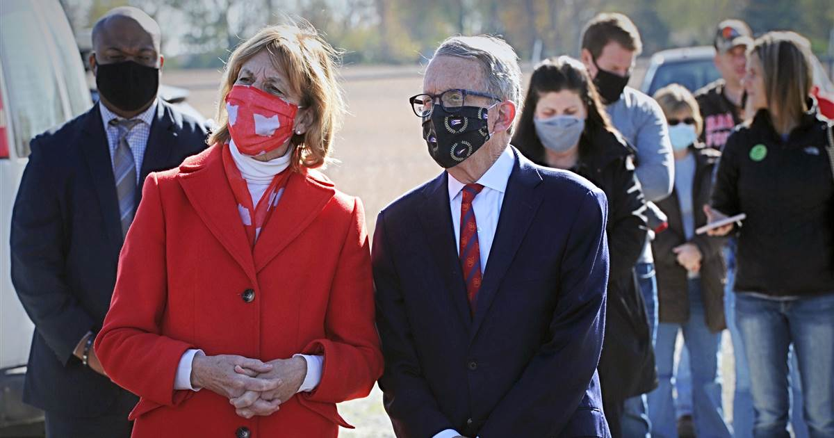 Ohio Republicans defy their governor by limiting his power to manage the pandemic