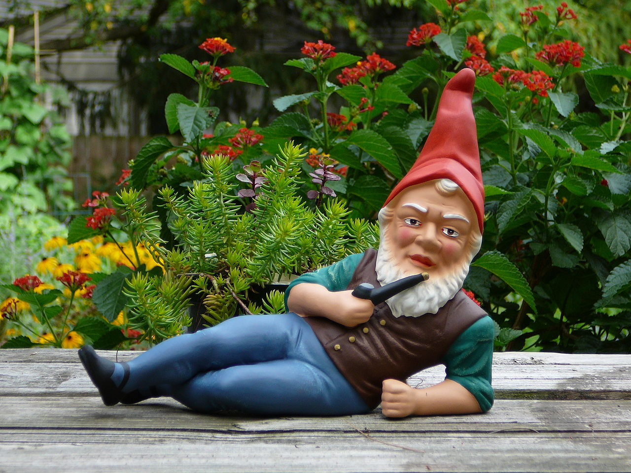 Gnomes! Lockdown & Suez canal Blockage Blamed for Shortage