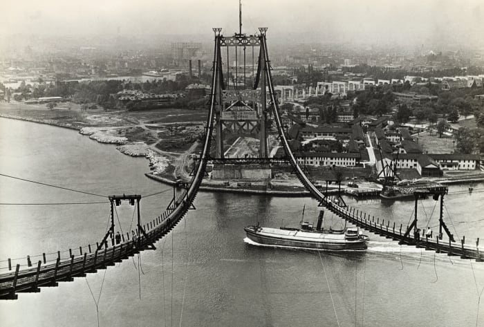 Construction of the Triborough Bridge, New Deal infrastructure projects