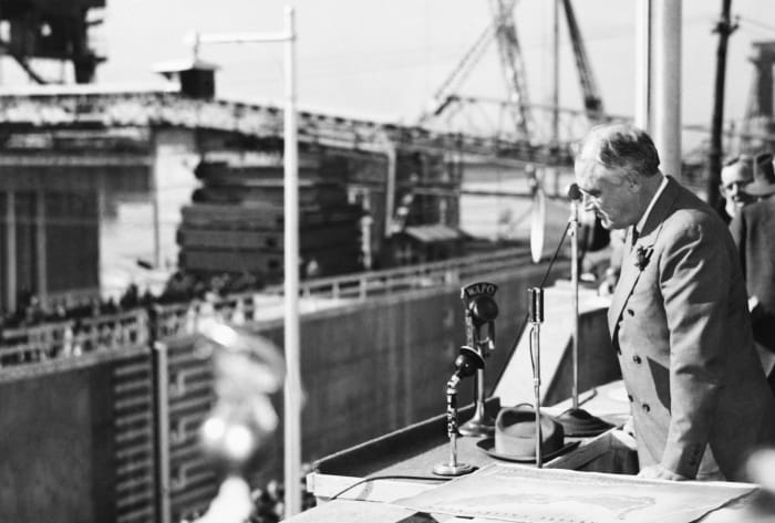 Construction of Chickamauga Dam, New Deal FDR infrastructure projects