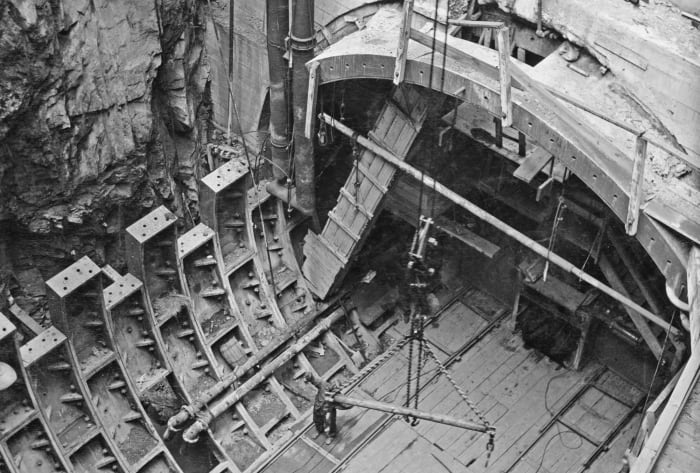 Construction of the Lincoln tunnel, New Deal infrastructure projects