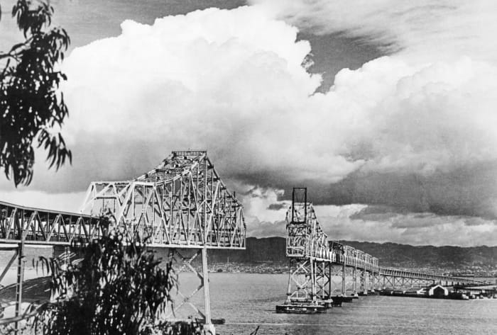Construction of the Bay Bridge, New Deal infrastructure projects