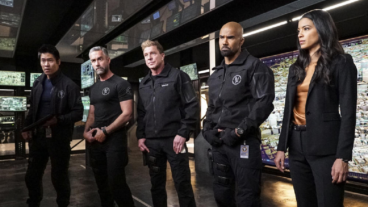 Bull, SWAT and Magnum renewed by CBS - News Séries