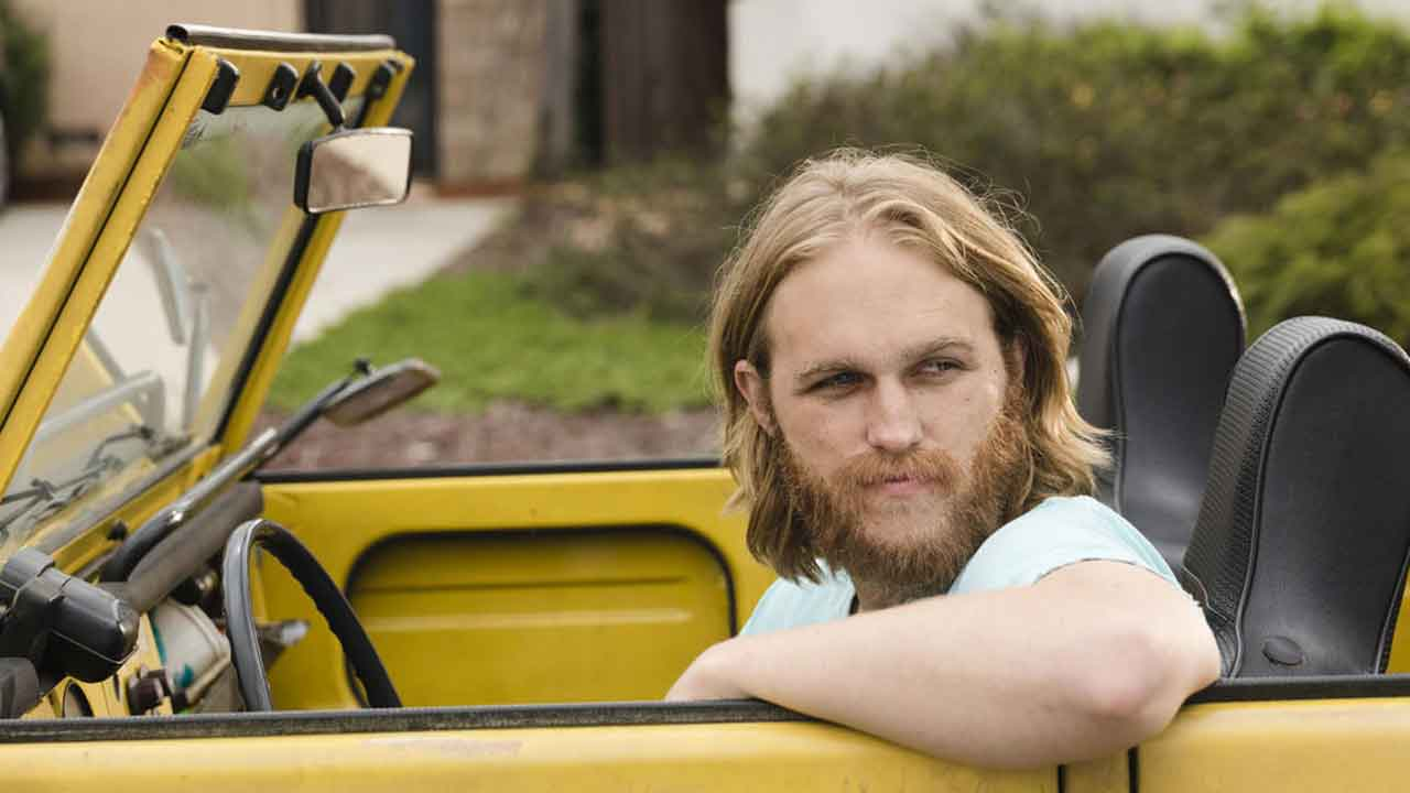 New York 1997: Wyatt Russell does not want to succeed his father in the role of Snake Plissken