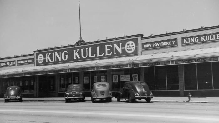 Exterior view of a King Kullen grocery store, in Rockville Center, Long Island, New York, c.  1940s.