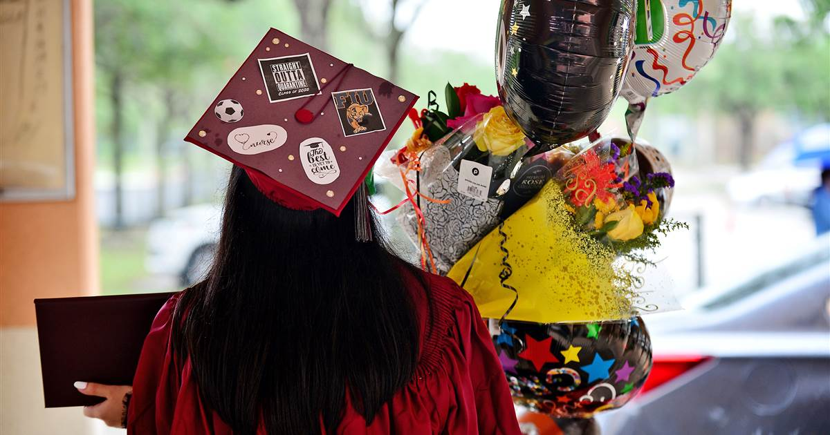 Florida lawmakers reverse college scholarship cuts and changes after student, parent backlash