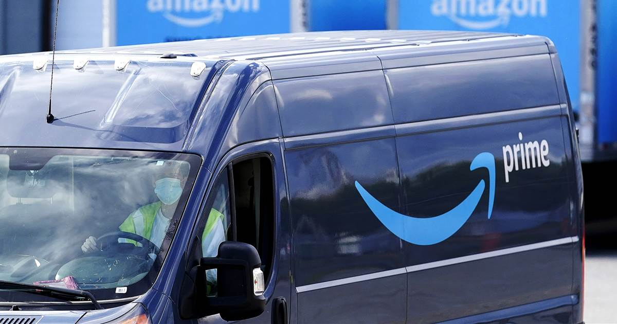 Amazon acknowledges issue of drivers urinating in bottles in apology to congressman