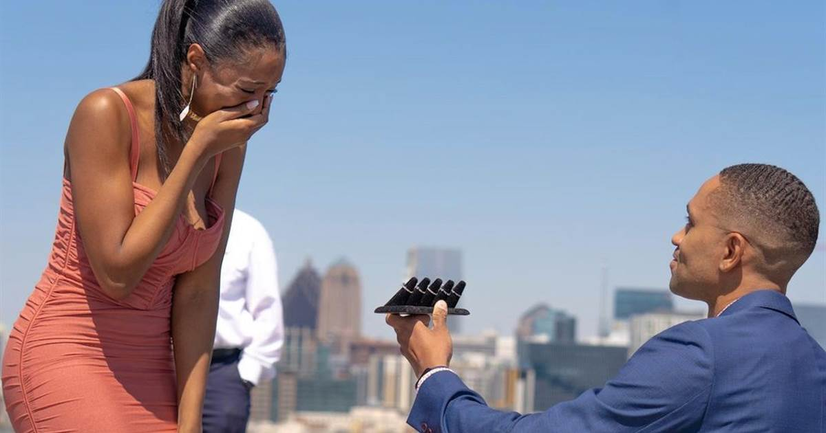 Couple goes viral when fiancé proposes with 5 engagement rings
