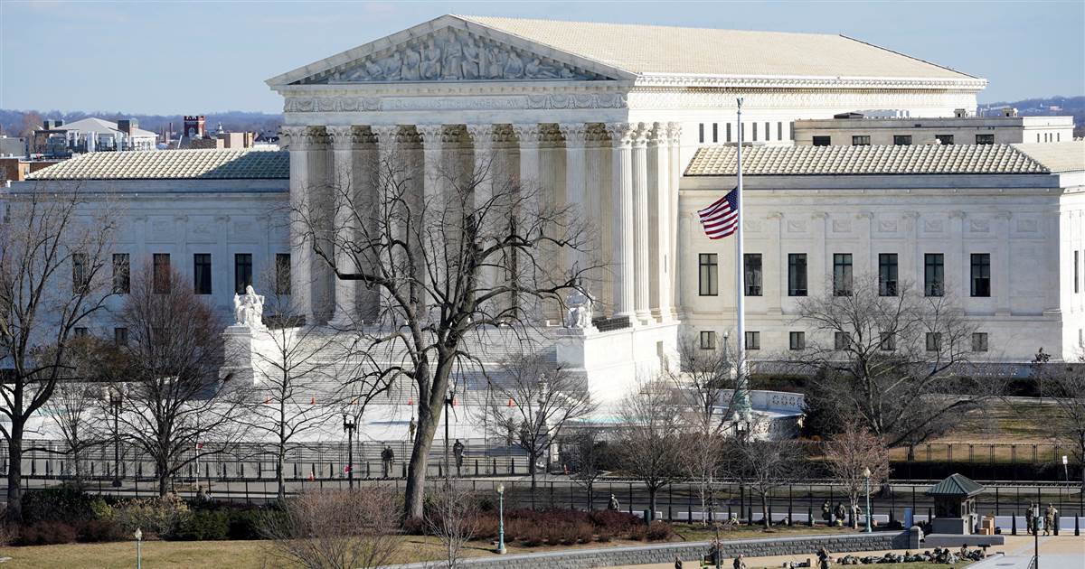 Most Americans want to end lifetime Supreme Court appointments for justices