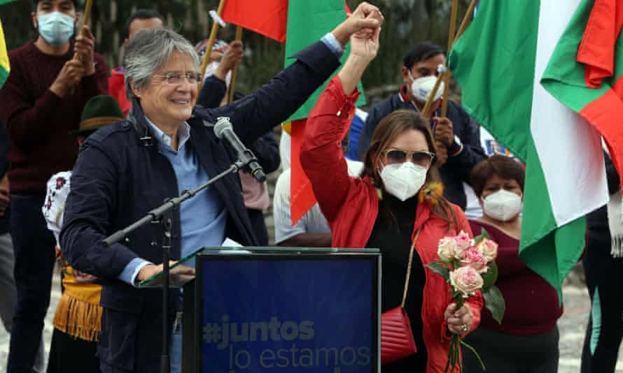 Guillermo Lasso attends his closing campaign rally at the Quitsato Sundial on 7 April.