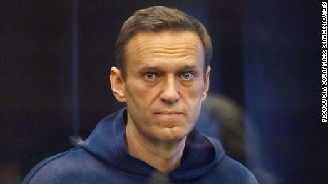 Those who are in Putin Navalny thou follow, that there may be and cancel the