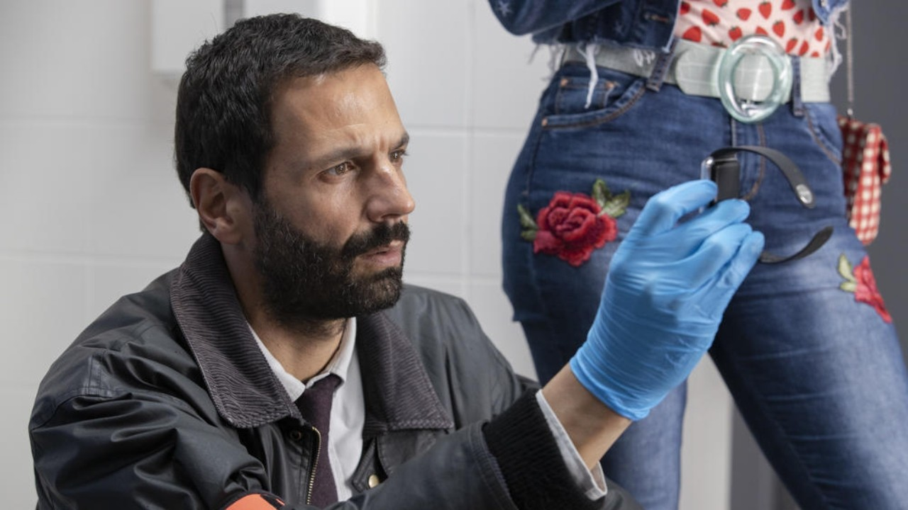 """HPI on TF1: """"The comedy aspect was not fully assumed at the start"""" according to Mehdi Nebbou (Karadec) - News Séries"""