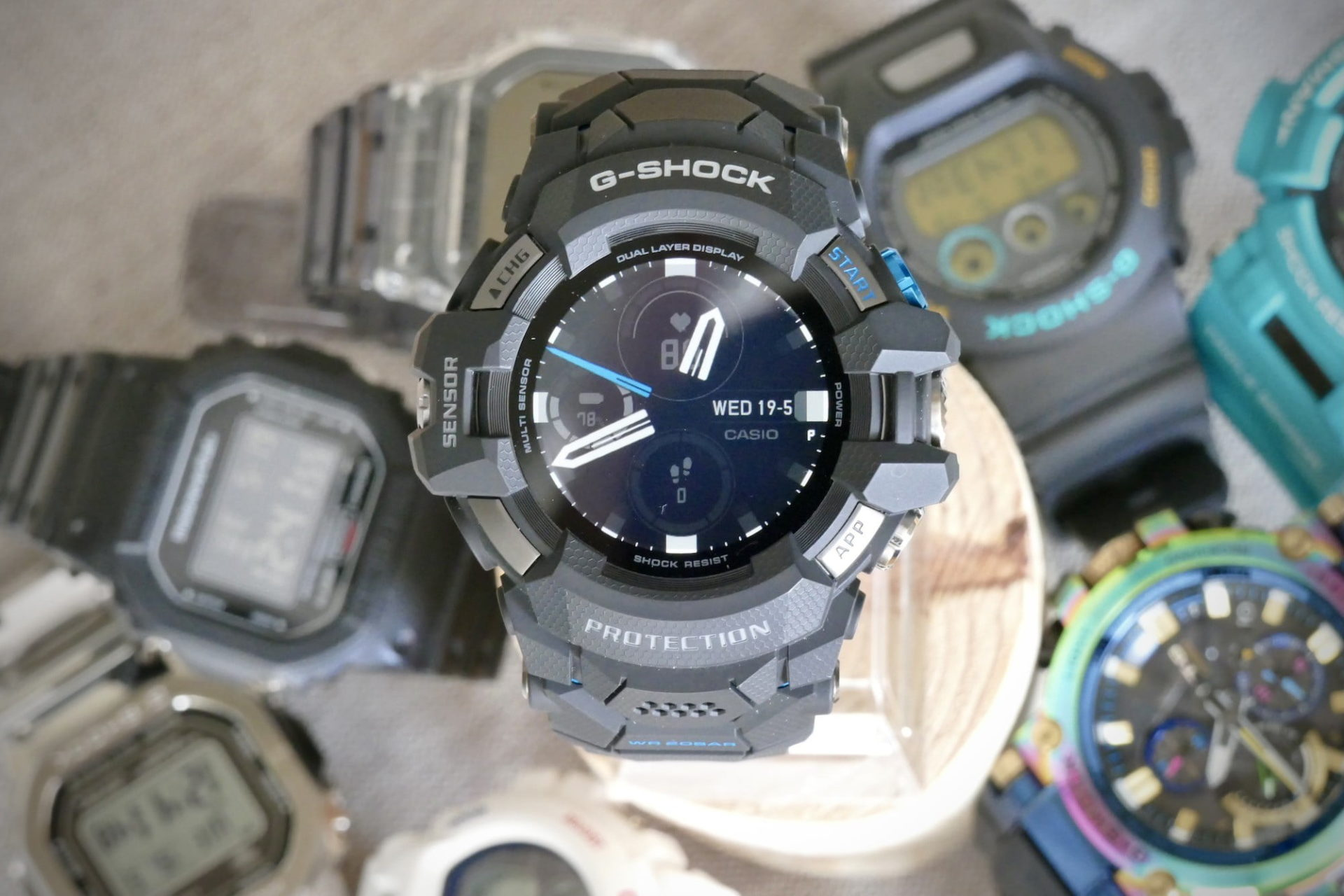 casio g shock gsw h1000 smartwatch review analog face