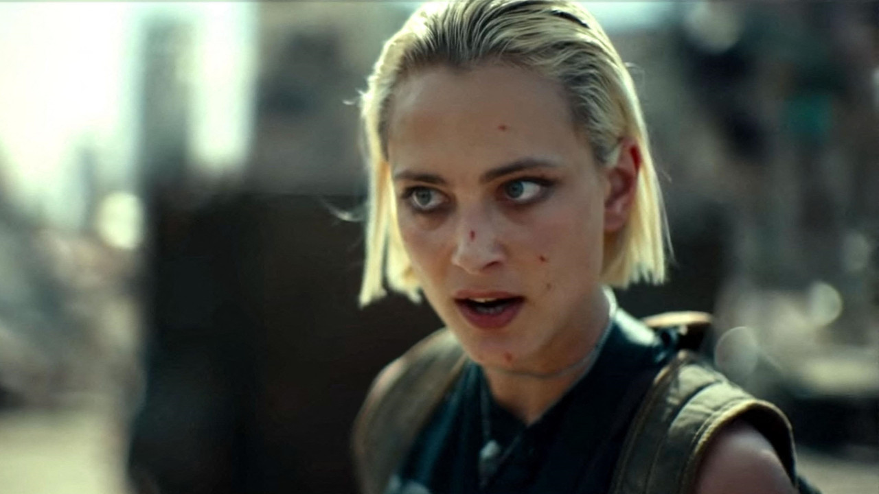 Army of the Dead on Netflix: focus on Nora Arnezeder, the Frenchy and bad-ass asset of Zack Snyder's film