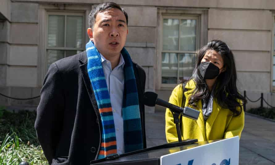 Andrew Yang and his wife Evelyn.
