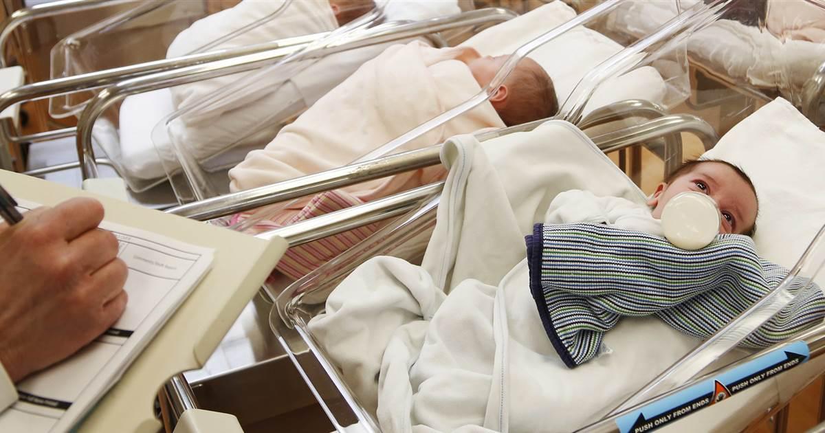 U.S. birth rate falls to lowest point in more than a century