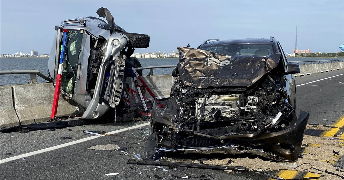 'Heroic' car crash witness saves toddler who was ejected into Maryland bay