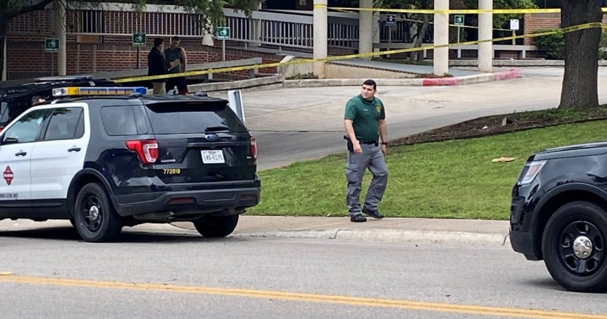 Protester fires back at suspect shooting outside women's clinic, saves woman's life