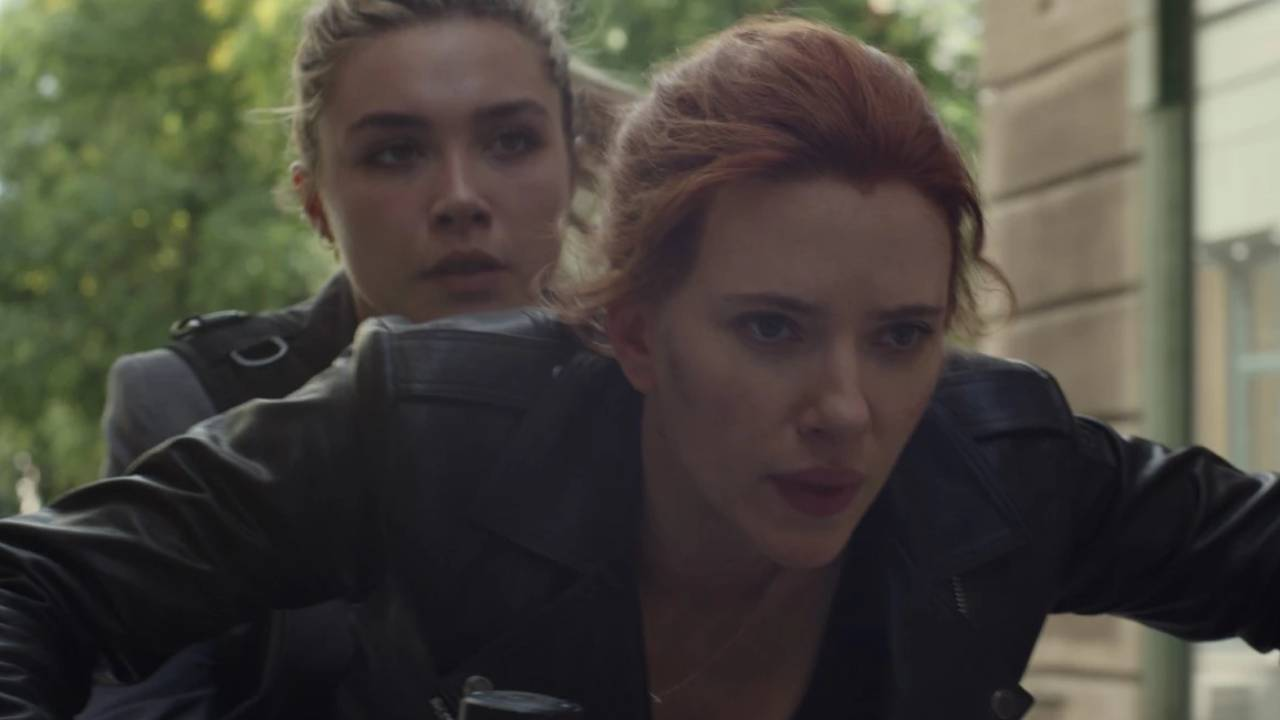 Black Widow preview: Scarlett Johansson and Florence Pugh in the middle of a chase