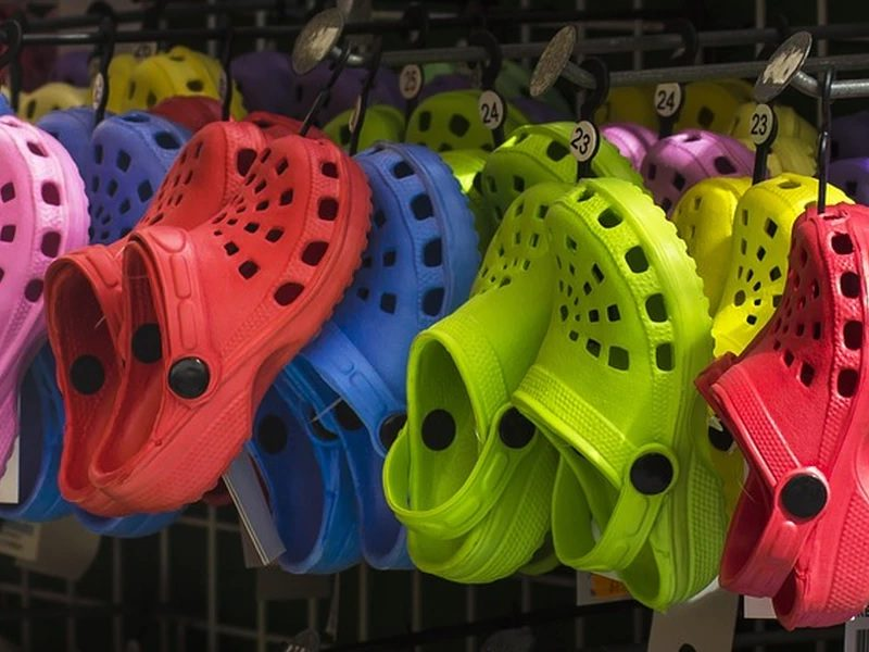 Crocs donating 50000 pairs of shoes to healthcare workers