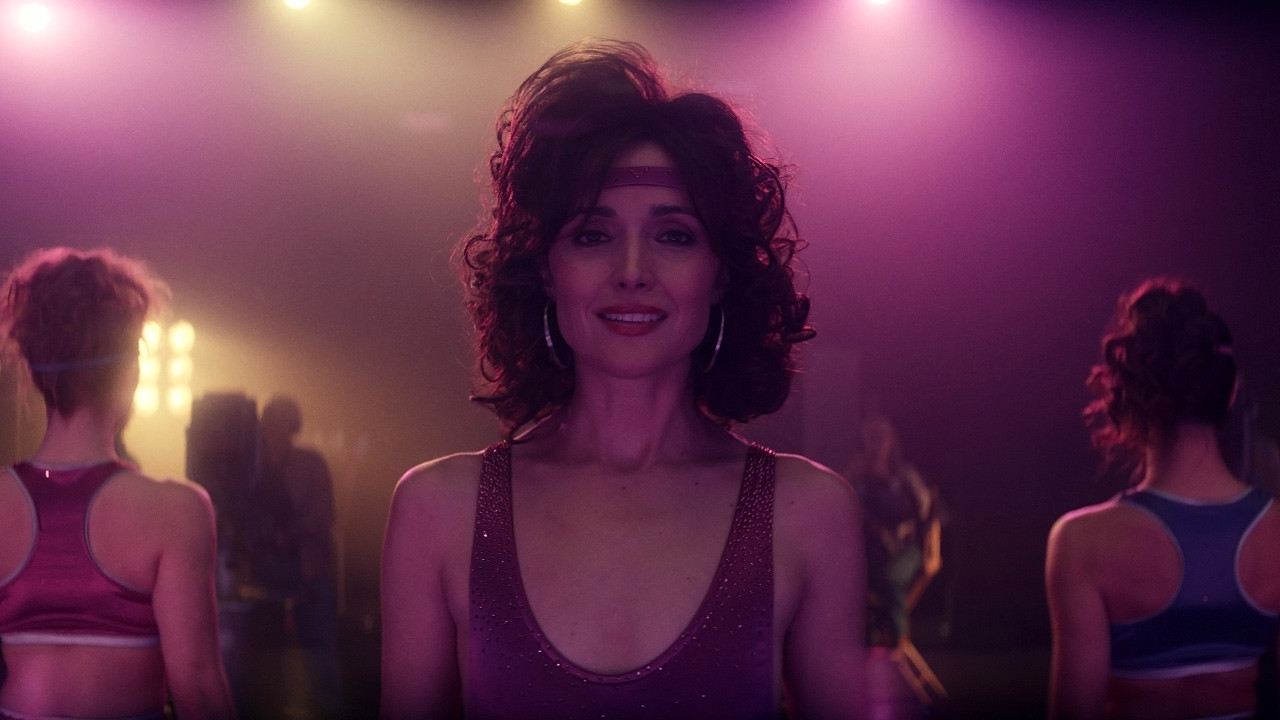 Physical trailer: Rose Byrne puts on her lycra bodysuit in Apple TV + 's eighties series - News Séries