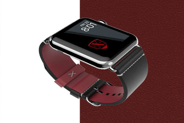 An Apple Watch with the Luxeora Element Band 42 Onyxband.