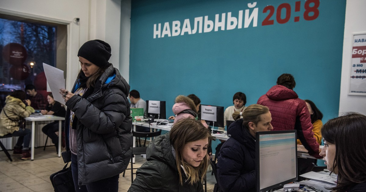 """Russian court rules Kremlin critic Alexei Navalny's groups are """"extremist"""""""