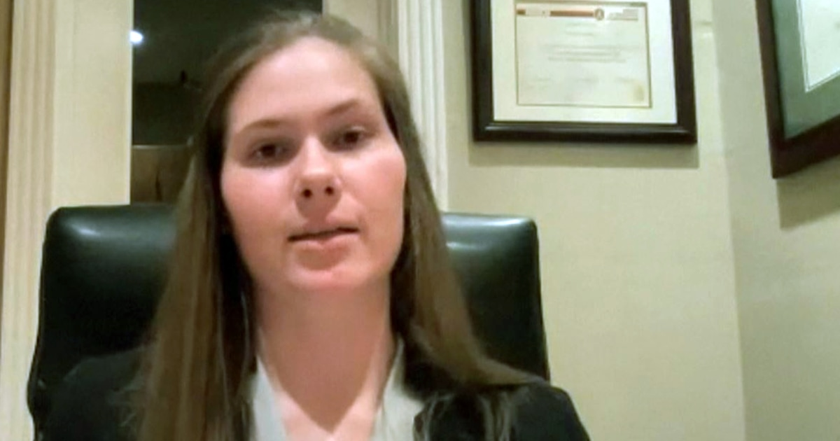 Texas valedictorian goes off script to address abortion rights