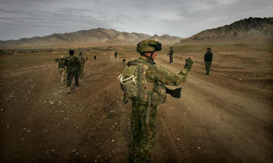 A retired Australian officer has estimated 1,000 Afghan allies and their families are in danger and need to be resettled in the coming weeks.