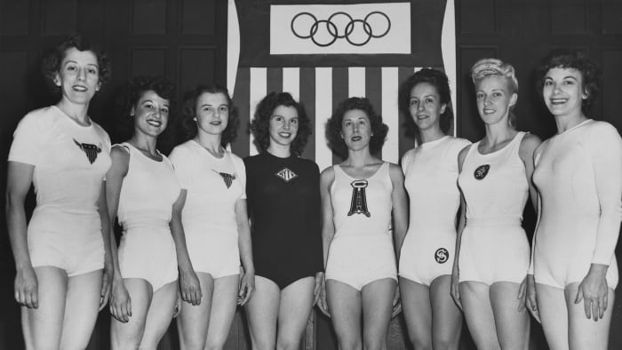 American Olympic Women's Gymnastics Team (American gymnast Ladislava Bakanic, American gymnast Marian Barone (1924-1996), American gymnast Dorothy Dalton (1922-1973), American gymnast of German origin Meta Elste (1919-2010), American gymnast Consetta Lenz (1918 -1980), American gymnast Helen Schifano (1922-2007), American gymnast Clara Schroth (1920-2014), American gymnast Anita Simonis (1926-2011) pose for a group portrait before the Olympic Games summer of 1948 in London, 1948.