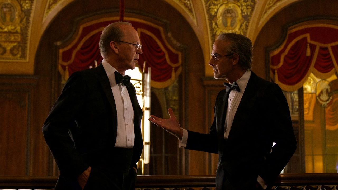 Worth on Netflix: a date and a first image of the film with Michael Keaton, Stanley Tucci and Amy Ryan