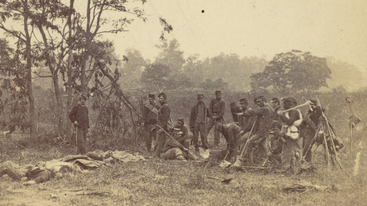 How Photos from the Battle of Antietam Revealed the American Civil War's Horrors
