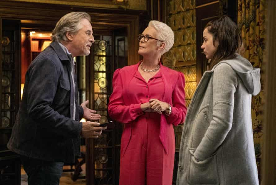 Jamie Lee Curtis with Don Johnson and Ana de Armas in Knives Out.